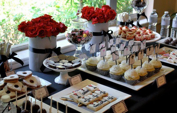 dessert-candy-table-buffet-ideas-holiday-table-decorating-ideas